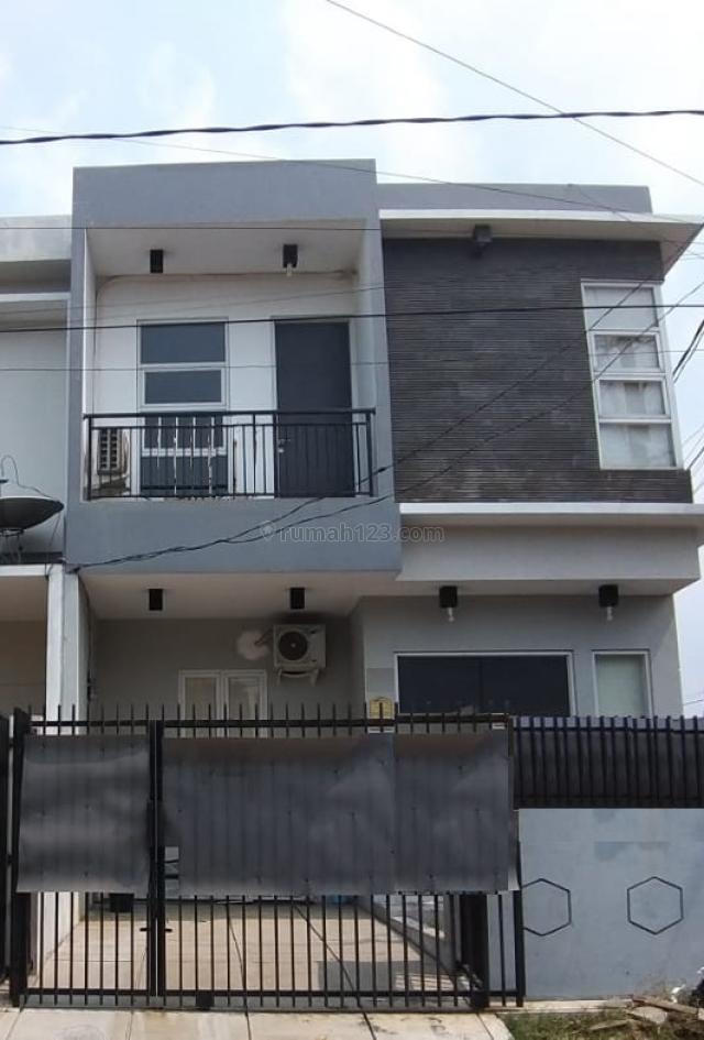 Rumah 2 Lantai Bisa KPR Di Boulevard Harapan Indah Bekasi, Bekasi, Bekasi