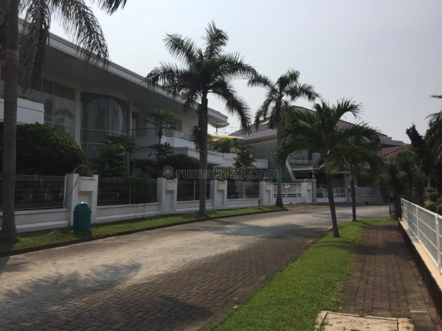 Rumah Tinggal Siap Huni di Pantai Mutiara, Pantai Mutiara, Jakarta Utara