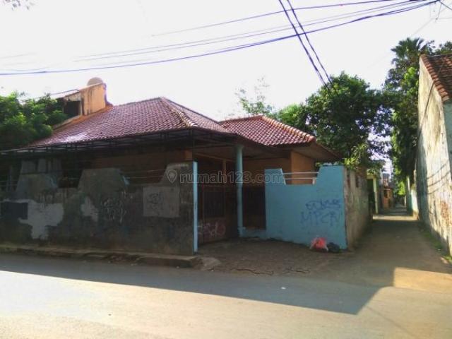 Rumah Seberang Halte Busway Ragunan Jakarta Selatan P-1246, Ragunan, Jakarta Selatan