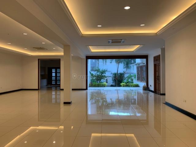 Rumah di Menteng cocok untuk ambassador, Menteng, Jakarta Pusat