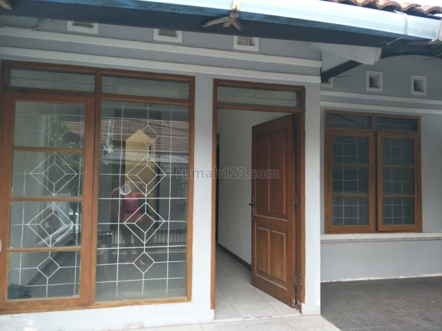 Rumah Kecil Cantik di TKI 2 Patung Kuda, Taman Kopo Indah, Bandung
