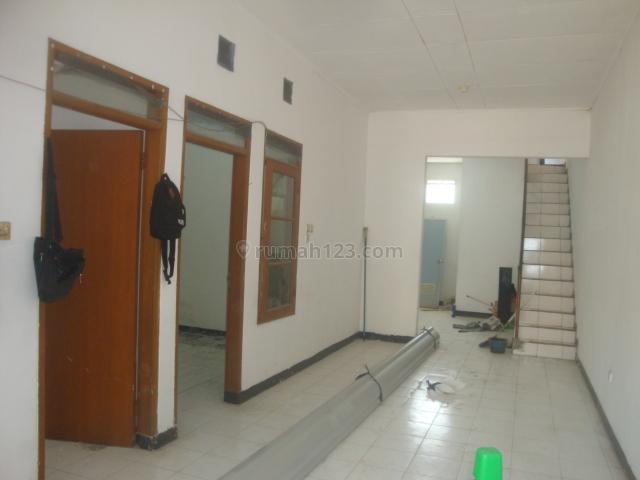 Rumah 1,5 lantai siap huni dan bersih, Taman Kopo Indah, Bandung, Taman Kopo Indah, Bandung