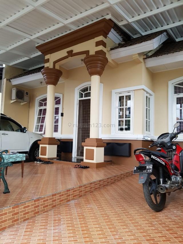 Murah, Rumah Cantik dan Strategis di Kencana Loka, BSD City, BSD Kencana Loka, Tangerang