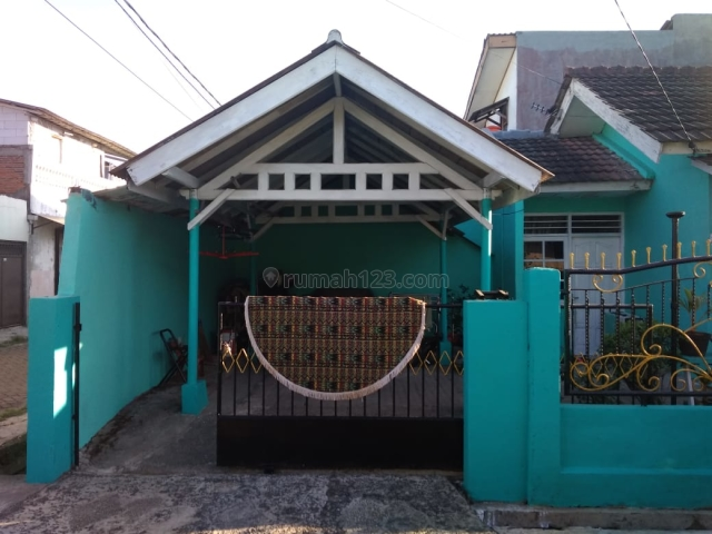 Rumah cantik siap huni Perumahan Puri Kartika baru jl. Jambu Ciledug Tangerang, Ciledug, Tangerang