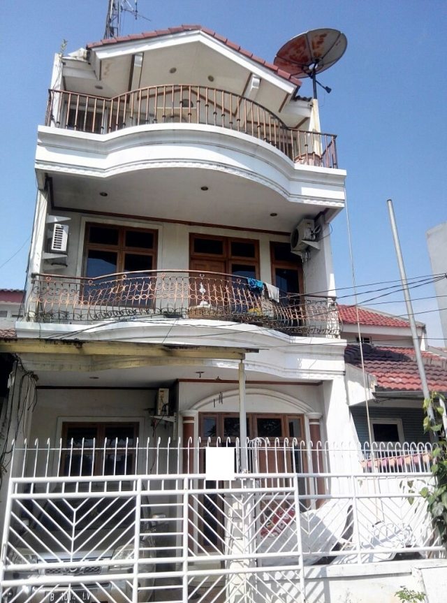 Rumah bagus jalan 2 mobil di Kelapa Nias , Harga OK, Kelapa Gading, Jakarta Utara