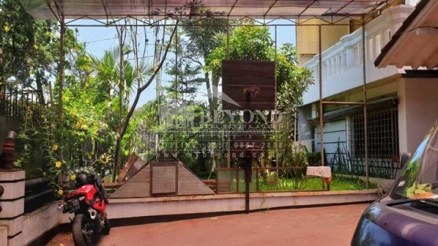 RUMAH LUAS 2 LANTAI DI DAERAH SUKAGALIH DEKAT PASTEUR BANDUNG, Sukajadi, Bandung