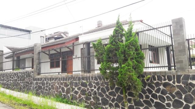 RUMAH SUPER LUAS DENGAN CARPORT 7 MOBIL SIAP HUNI DI SUKAGALIH SUKAJADI BANDUNG, Sukajadi, Bandung