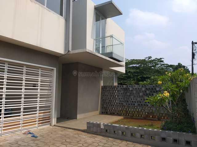 Rumah baru, bisa untuk kantor, Ragunan, Jakarta Selatan
