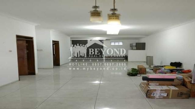RUMAH SIAP PAKAI NYAMAN DI TEMPATI TAMAN HOLIS INDAH BANDUNG, Holis Cigondewah, Bandung