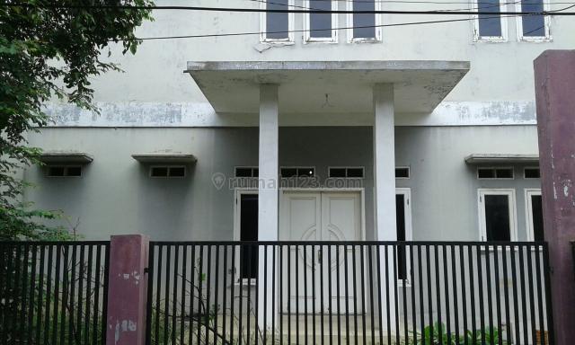- Rumah Asri dan Nyaman di BCS Raya , Harga OK, Kelapa Gading, Jakarta Utara