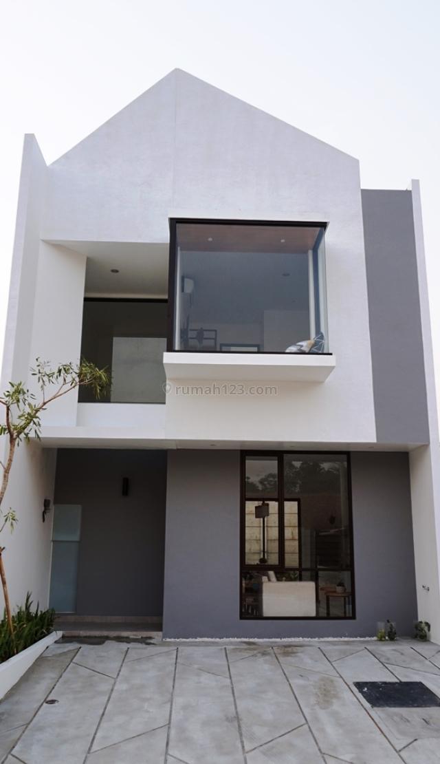 Rumah Minimalis spek bangunan berkualitas dengan Lokasi strategis & Harga terjangkau, BSD, Tangerang