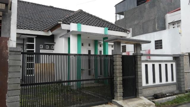 Di kontrak kan rumah Arcamanik, Luas Tanah 105m/65m Strategis dekat Sport Jabar, Arcamanik, Bandung