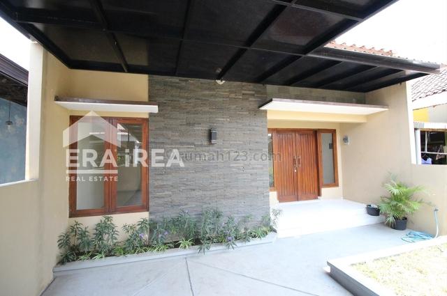 Rumah cantik 1,5 lantai area non cluster Solo Baru, Solo Baru, Surakarta