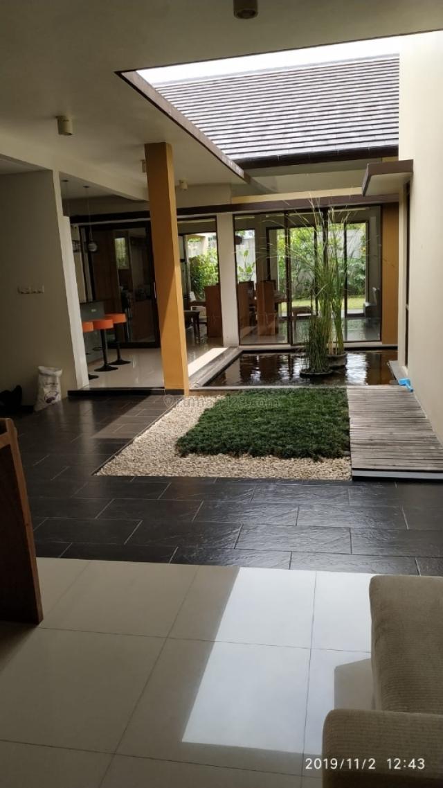 Rumah Mewah Nyaman Siap Huni, Kota Baru Parahyangan, Bandung