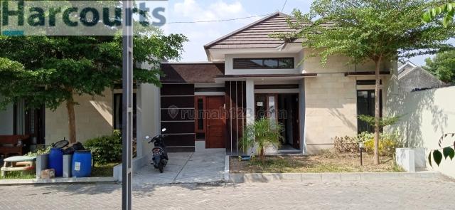 rumah baru gress di salah satu perumahan cluster baru, Gentan, Sukoharjo