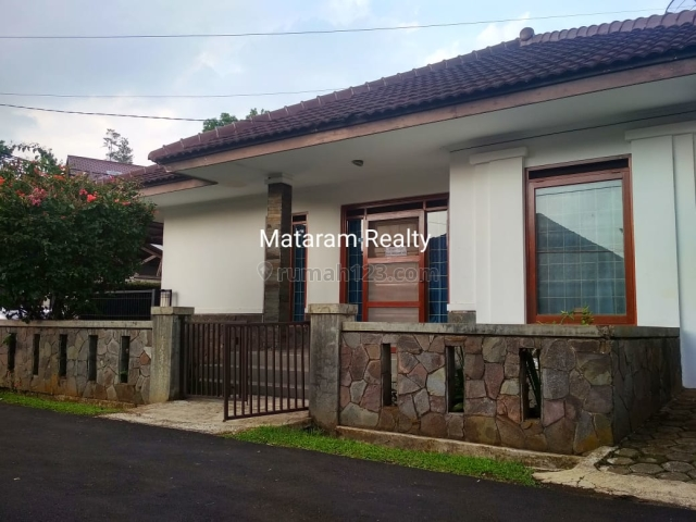 Rumah Homey Asri Ciumbuleuit Dekat Unpar, Ciumbuleuit, Bandung