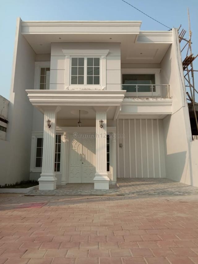 ADA IMB bisa KPR BANK Rumah eksklusif 2 lantai di Cilangkap dekat ke Tol Siap Huni, Cilangkap, Jakarta Timur