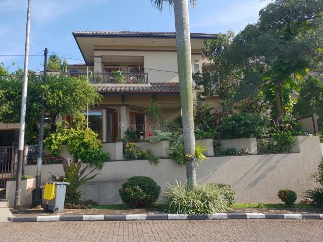 Rumah Rapih Depan Taman, Villa Cinere Mas, Cireundeu, Tangerang