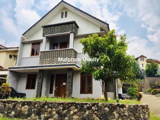 Rumah ELegant Dalam Komplek Exclusive Alamanda Tubagus Ismail, Tubagus Ismail, Bandung
