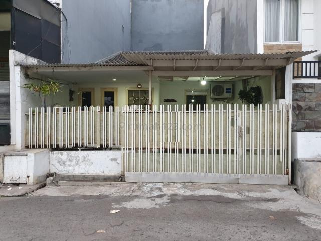 RUMAH STANDARD KELAPA GADING KOMPLEK GADING INDAH UKU 6X15 LOKASI STRATEGIS HADAP TIMUR DEKAT MALL MKG HARGA BAGUS NEGO., Kelapa Gading, Jakarta Utara