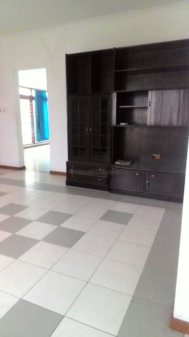 Rumah 1 lantai siap huni dekat Gedung Sate,Gasibu dan Telkom Jaoati, Diponegoro, Bandung