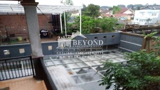 RUMAH MEWAH 3 LANTAI SANGAT CANTIK DI BUKIT INDAH CIMAHI UTARA SEMI FURNISH, Cihanjuang, Bandung