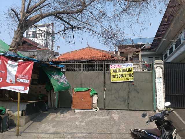 Jual Rumah Tua di Cipulir Dekat Supermarket Akses Mobil, Kebayoran Lama, Jakarta Selatan