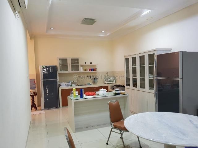 Rumah Florence 8x20 - 2 Lantai - Timur - SHM - 4KT - Furnish - Harga 5.2M Nego, Pantai Indah Kapuk, Jakarta Utara