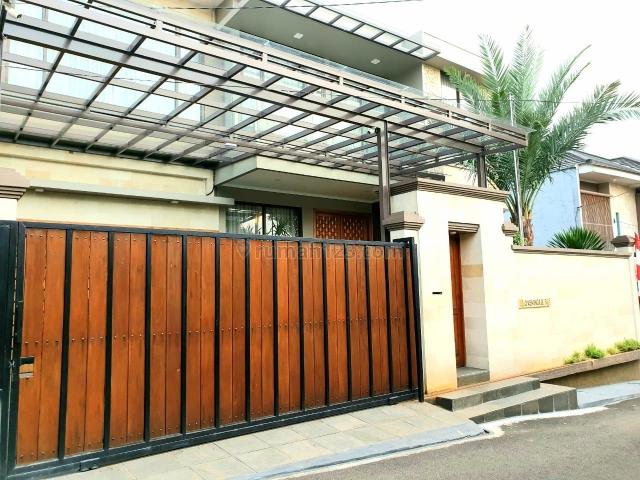 rumah mewah dekat stasiun dan pintu toll, bintaro, jakarta selatan