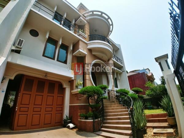 Rumah Kokoh & Cantik Harga OK di Gading Kusuma JakUt, Kelapa Gading, Jakarta Utara