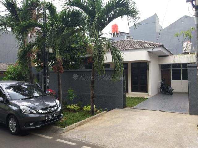 Rumah Kayu Putih, Terawat, Lingkungan Nyaman, Jalan Lebar, Kayu Putih, Jakarta Timur