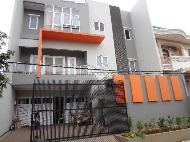 (NE2801-BG) Rumah Baru Gress 3 1/2 Lantai, Hadap Utara di Green Ville, Green Ville, Jakarta Barat