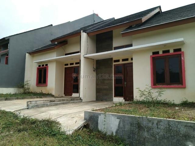 Rumah Dekat Tol Desari sawangan, Sawangan, Depok