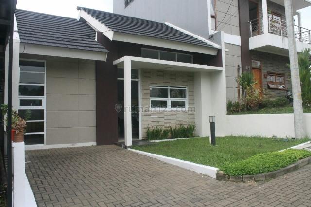 rumah asri nuansa villa di arcamanik sindanglaya bandung , Antapani, Bandung