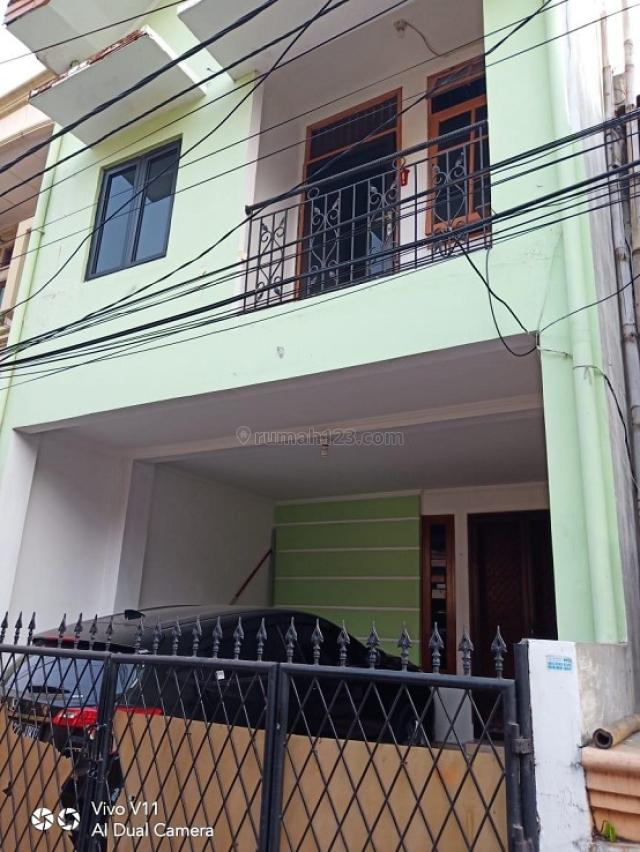 Rumah Murah di kelapa gading luas 75 m2 , dekat kemana2 lokasi strategis jalan 1 mobil cocok untuk keluarga kecil, Kelapa Gading, Jakarta Utara