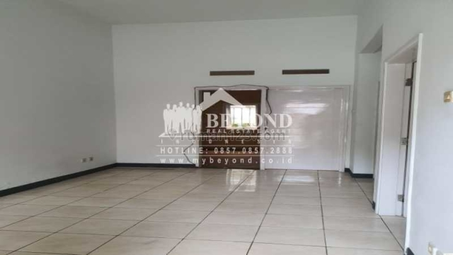 MURAH SEKALI! Jarang Ada! Rumah di Kawasan Elite  Kota Baru Parahyangan, Kota Baru Parahyangan, Bandung