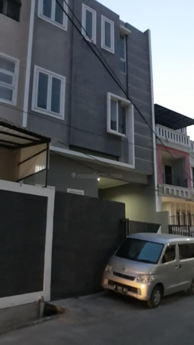Rumah Muara karang Blok 5 Penjaringan Jakarta Utara, Muara Karang, Jakarta Utara