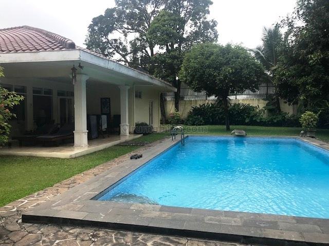 Rumah di Kemang Dalam, Kemang, Jakarta Selatan ~ Swimming Pool ~ Siap Huni, Kemang, Jakarta Selatan