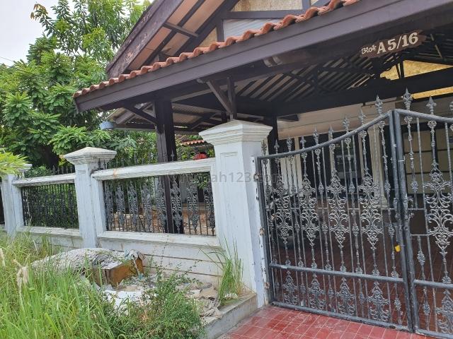 rumah lama dikompleks perumahan bs kntr atau gudang, Pulogebang, Jakarta Timur