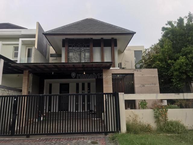 Rumah Minimalis Di Graha Family, Graha, Surabaya