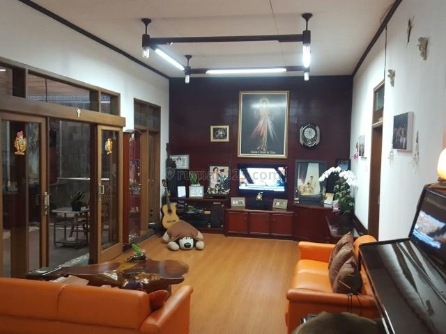 Rumah Nyaman dan terawat Jl Babakan Jeruk, Pasteur Kota Bandung, Sukajadi, Bandung
