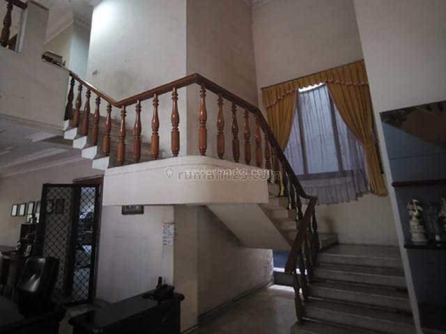Rumah Di jalan utama dan jarang ada, Gubeng, Surabaya