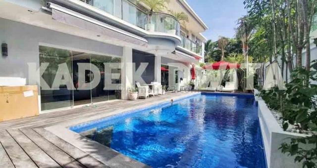 Luxury villa bidadari seminyak Dewi Saraswati sunset road, Kuta, Badung