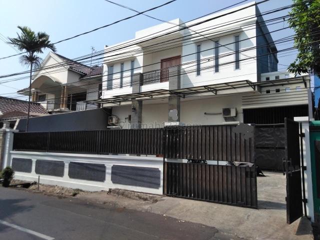 Rumah harga bagus di Mampang Prapatan 3 menit dari Gatot Subroto cocok buat kantor atau dibuat kos2an ataupun rumah tinggal, jalan lebar, Mampang Prapatan, Jakarta Selatan