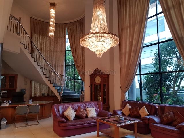 RUMAH DITERUSAN SUTAMI BANDUNG; DEKAT TOL PASTEUR; NEGO, Surya Sumantri, Bandung
