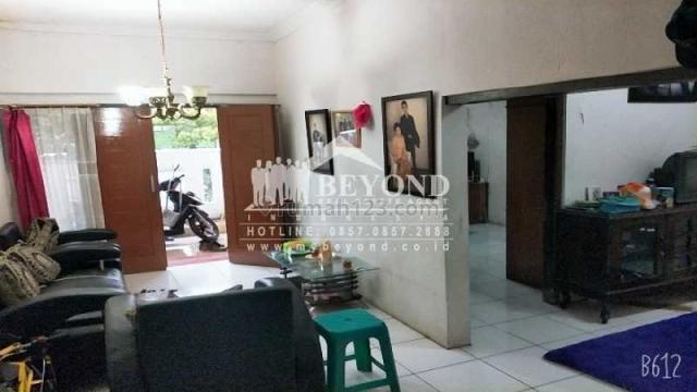 RUMAH TERAWAT HARGA NEGO MURAH DI METEOR UTARA, MARGAHAYU BANDUNG, Margahayu, Bandung