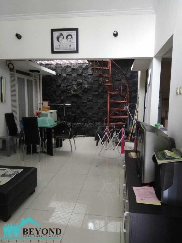 Rumah Bagus Nyaman Area Bandung Kota Baru Parahyangan Banyak Sumba, Kota Baru Parahyangan, Bandung