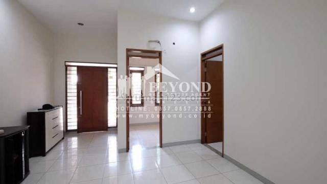 Rumah Bagus Nyaman Area Cigondewah Taman Holis Indah, Holis Cigondewah, Bandung