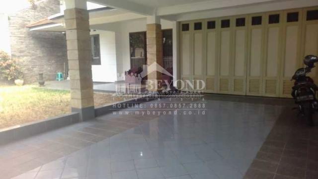 Rumah bagus keren siap huni dan harga nego di Area Alam Kanayakan Dago Bandung, Dago, Bandung