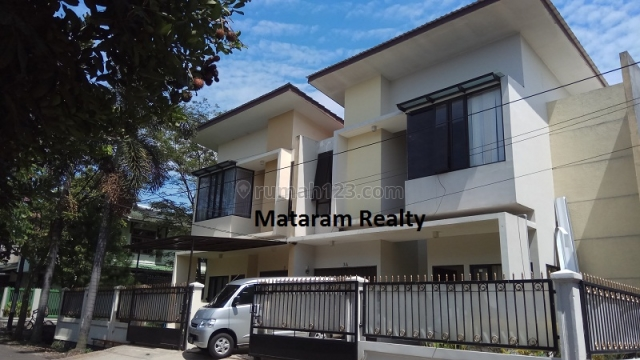 JARANG ADA !! Rumah minimalis, lingkungan, nyaman, strategis di Turangga, Pusat kota, Turangga, Bandung